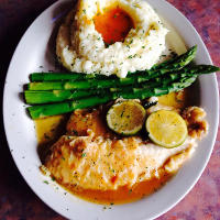 Special: Tilapia in garlic and wine sauce. Mashed potatoes and asparagus.